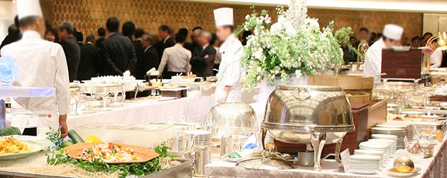 ホテルでのお別れの会における匠の料理人によるおもてなしの会食