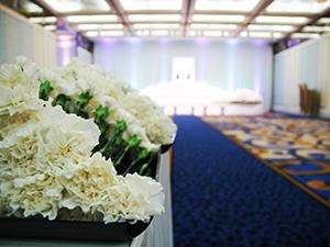 献花と祭壇